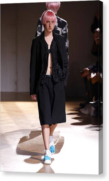 Comme Des Garcons Homme Plus : Runway - Paris Fashion Week - Menswear F/w 2017-2018 Canvas Print by Estrop