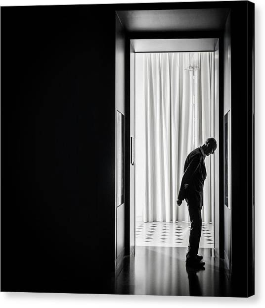 The Louvre Canvas Print - Contemplation by Linda Wride