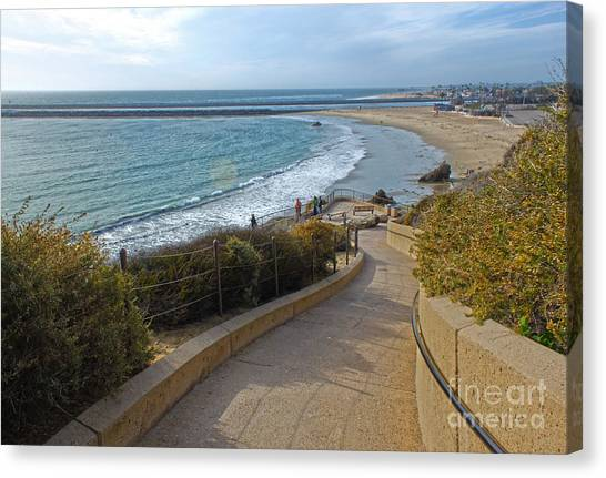 Corona Del Mar Beach View - 01 Canvas Print by Gregory Dyer