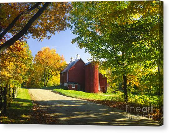 Country Barn On An Autumn Afternoon. Canvas Print