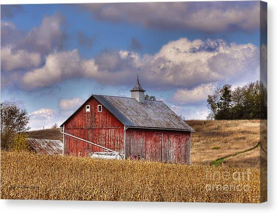 County G Barn In Autumn Canvas Print