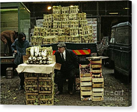 Covent Garden Market 1973 Canvas Print by David Davies