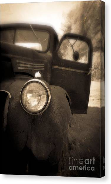 Rusty Truck Canvas Print - Crash by Edward Fielding