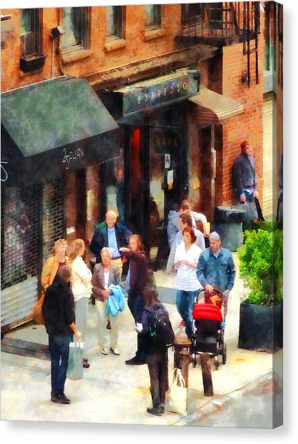 Crowded Sidewalk In New York Canvas Print by Susan Savad