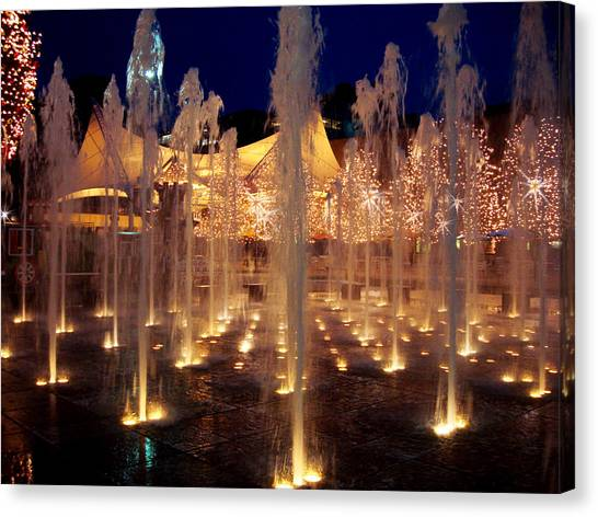 Crown Center Fountain At Christmas Canvas Print