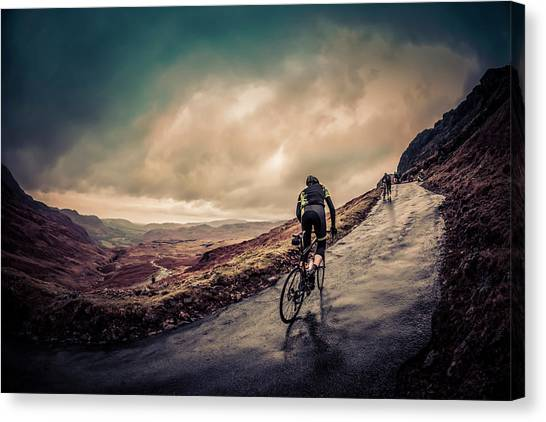 Cyclist On Hardknott Ramp Canvas Print by Steve Fleming