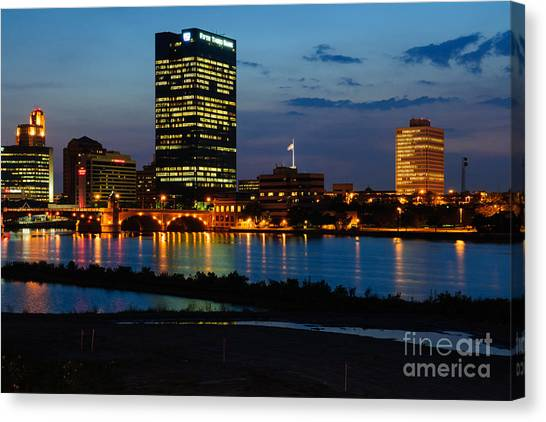D12u152 Toledo Ohio Skyline Photo Canvas Print