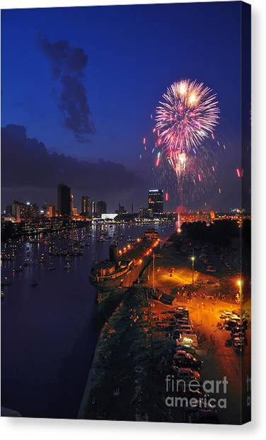 D12u470 Red White And Kaboom In Toledo Ohio Photo Canvas Print