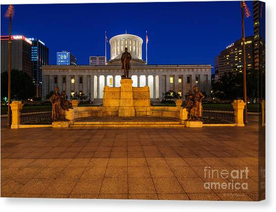 D13l112 Ohio Statehouse Photo Canvas Print