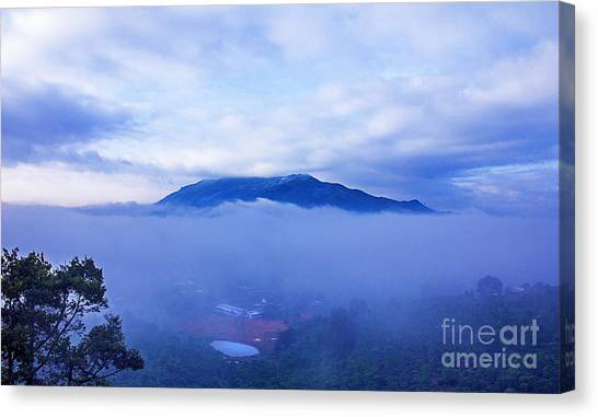 Dai Binh Mountain Dew Spread Canvas Print