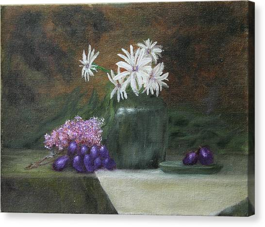 Daisies In Green Vase Canvas Print