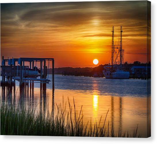 Days End On Water Canvas Print