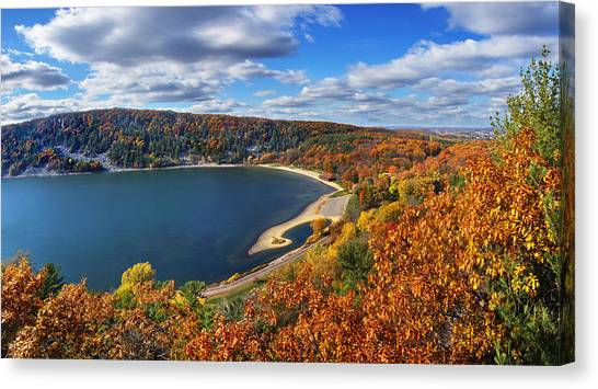 Devil's Lake In Autumn Canvas Print