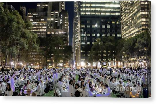 Diner En Blanc New York 2013 Canvas Print