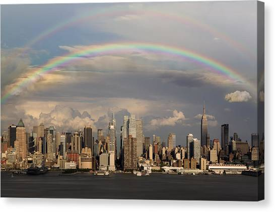 Double Rainbow Over Nyc Canvas Print