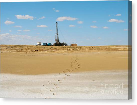 Drilling In The Desert. Canvas Print by Alexandr  Malyshev