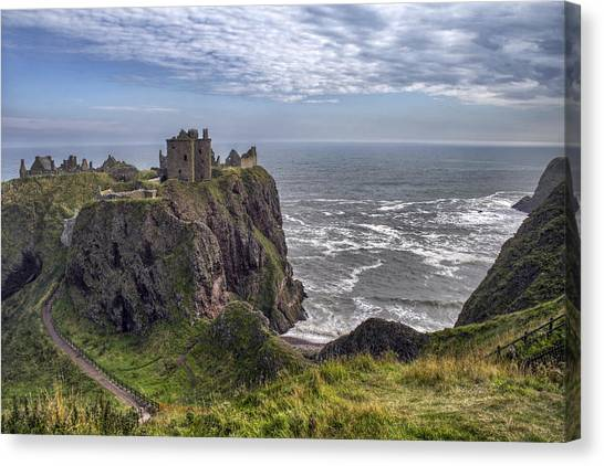 Dunnottar Castle And The Scotland Coast Canvas Print