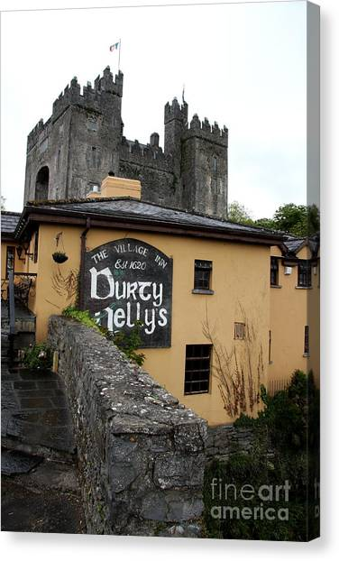 Canvas Print - Durty Nellys And Bunraty Castle by Christiane Schulze Art And Photography