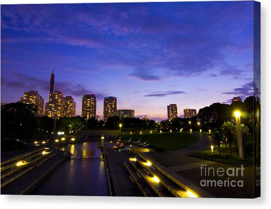 Dusk At Rinko Park In Yokohama Canvas Print