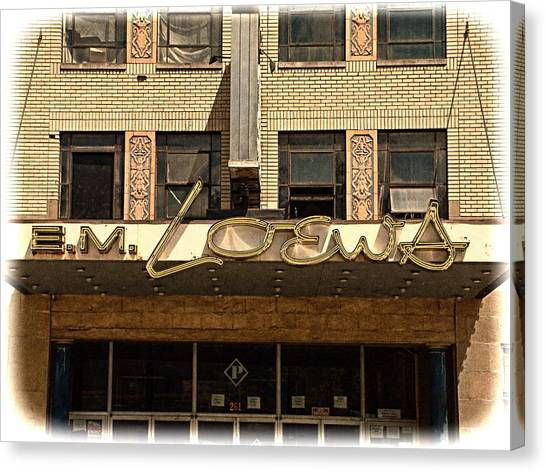 E M Loews Theater Canvas Print by Mike McCool