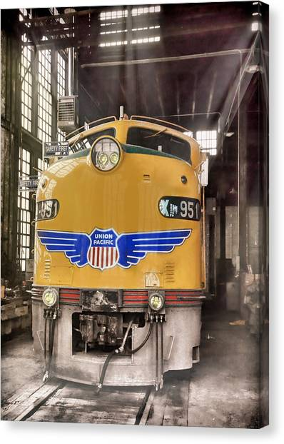 Pacific Division Canvas Print - E9 951 In The Roundhouse In Cheyenne by Ken Smith