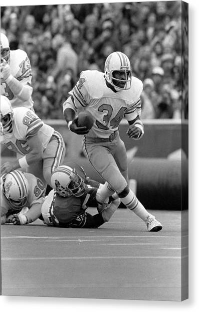Running Backs Canvas Print - Earl Campbell by Gianfranco Weiss