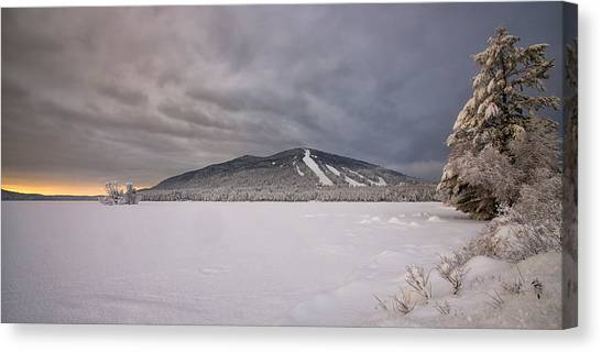 Early Dawn At Shawnee Peak Canvas Print