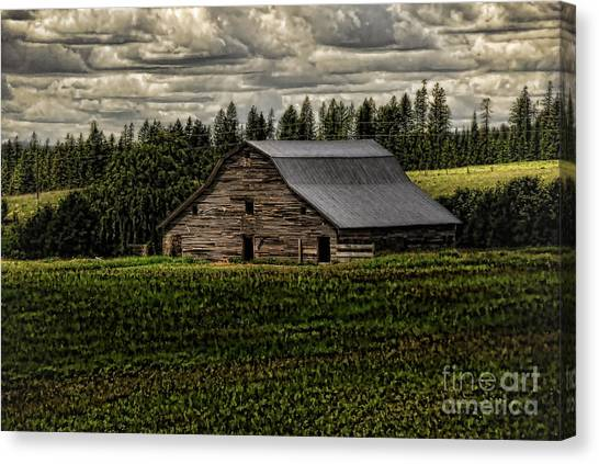 Eastside Road Barn Canvas Print