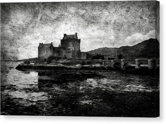 Eilean Donan Castle In Scotland Bw Canvas Print