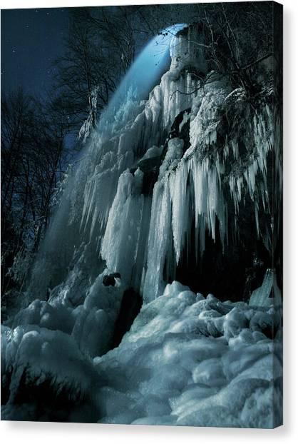 Eisfall Im Mondlicht Canvas Print by Nicolas Schumacher