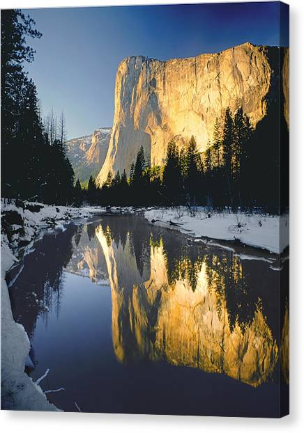 2m6542-el Cap Reflect Canvas Print