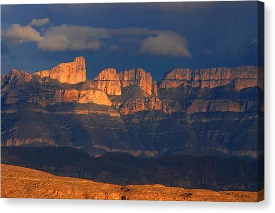 El Pico And Sierra Del Carmen Canvas Print