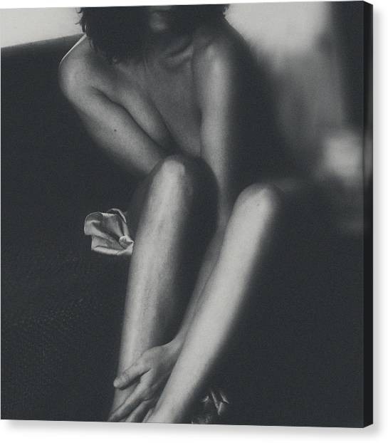 Fine Art Nudes Canvas Print - Elle 323 by Marianne