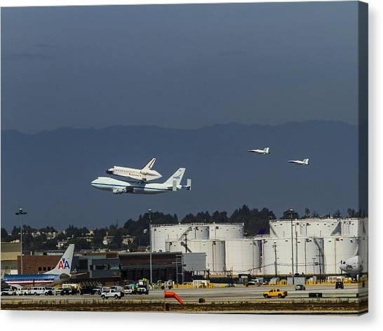Endeavor Foies First Of Two Flyovers Over Lax Canvas Print