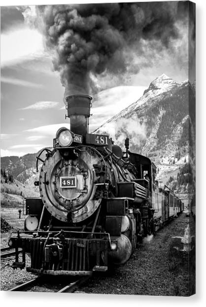 Engine 481 Canvas Print by Robert Yone
