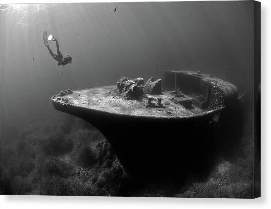 Epave De La Picorella - Picorella's Wreck Canvas Print by Eric Volto