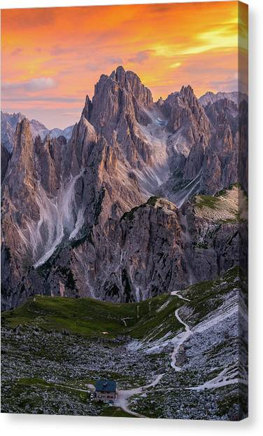 Mountain Sunsets Canvas Print - Face To Face by Andreas Agazzi