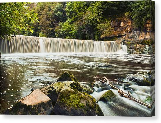 Fair A' Far Dam Canvas Print