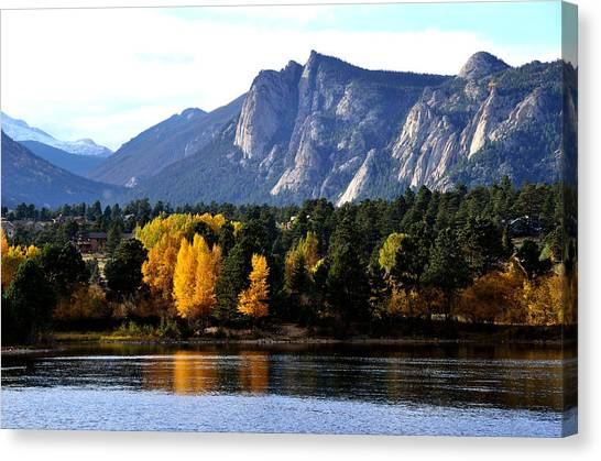 Fall At Lake Estes Canvas Print