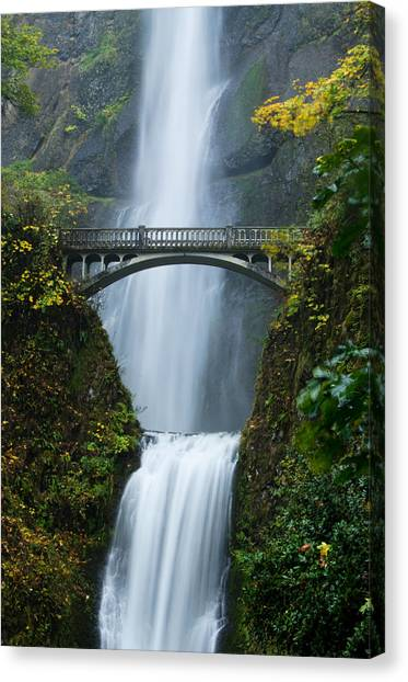 Fall At Multnomah Falls Canvas Print