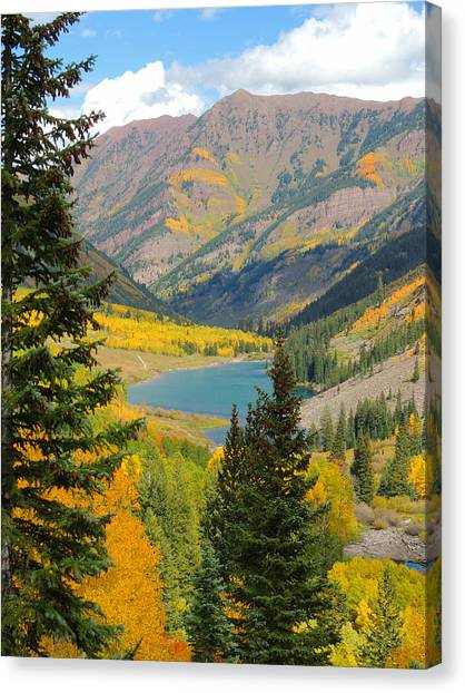 Fall Colors At Maroon Lake Canvas Print by Steve Anderson