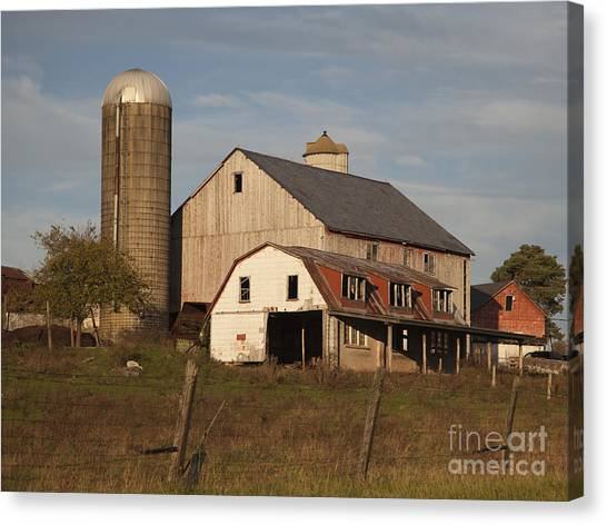 Farm House At Sundown Canvas Print