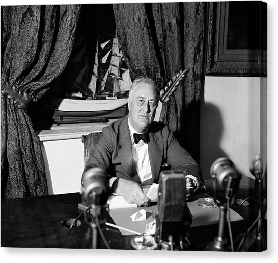 Franklin D. Roosevelt Canvas Print - Fdr Fireside Chat by Underwood Archives