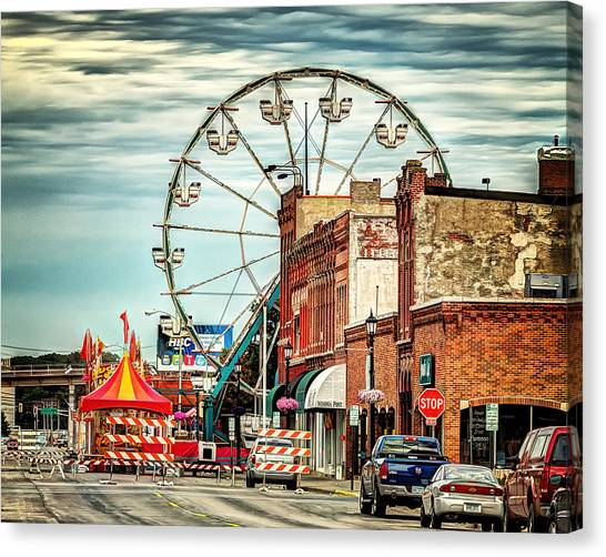 Ferris Wheel In Winona Canvas Print