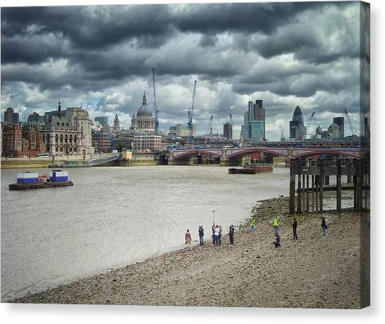 Film Crew On The Thames - London Back-drop Canvas Print
