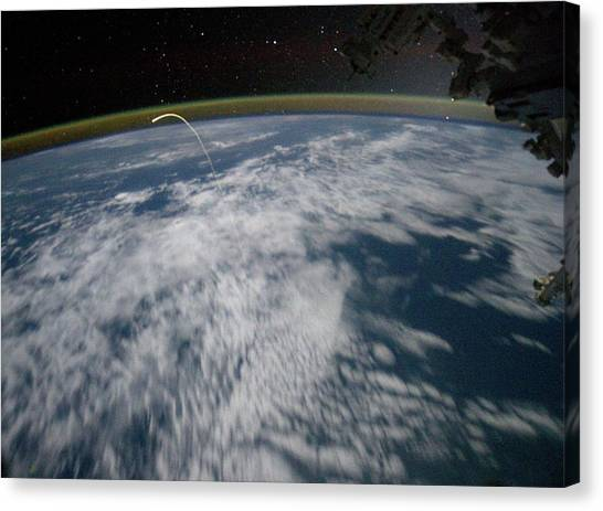 Space Shuttle Canvas Print - Final Space Shuttle Returning To Earth by Nasa/science Photo Library