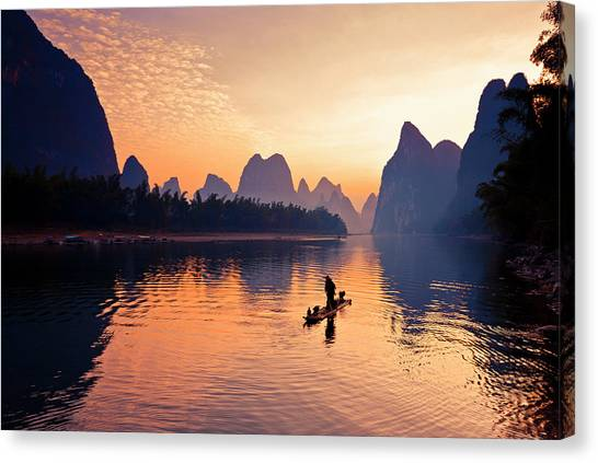 Fishermen Fishing In Li River Canvas Print