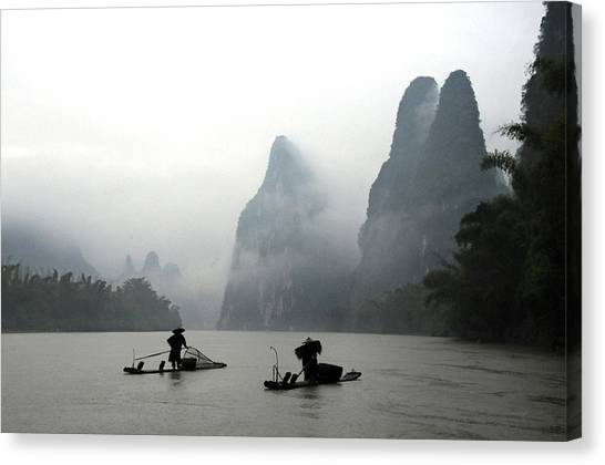 Fishermen With Bamboo Raft In Li River Canvas Print