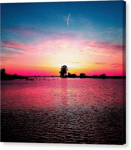 Canvas Print - Fix Your Eyes On Perfection And You by Super Mario
