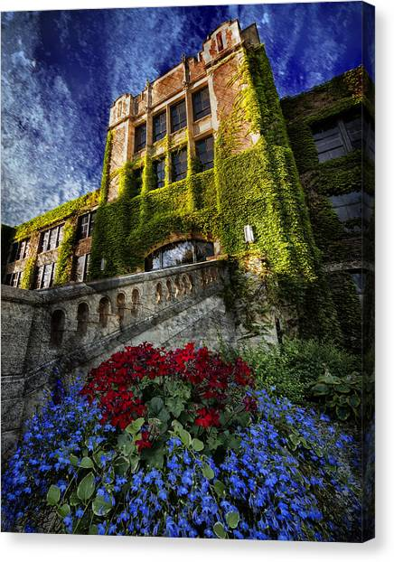 Flowers At Somsen Hall Canvas Print